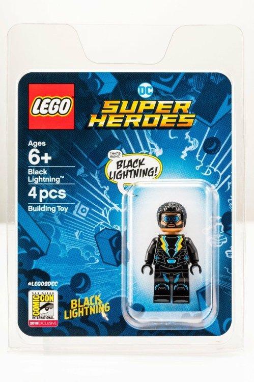 SDCC-2018-DC-Comics-Exclusive-Minifigure-Black-Lightning-Packaging.thumb.jpg.08bf5bb91a0aa95a89c89c5f13c5875a.jpg