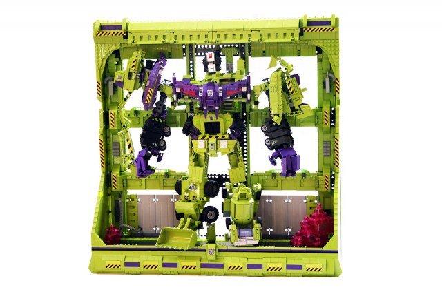Devestator-in-Frame.jpg.1b3aa01877f1d72be6fac8427bfb7fe1.jpg