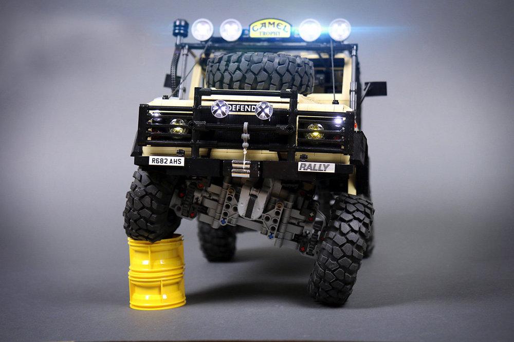 LEGO-Land-Rover-Defender-2-WANT.jpg