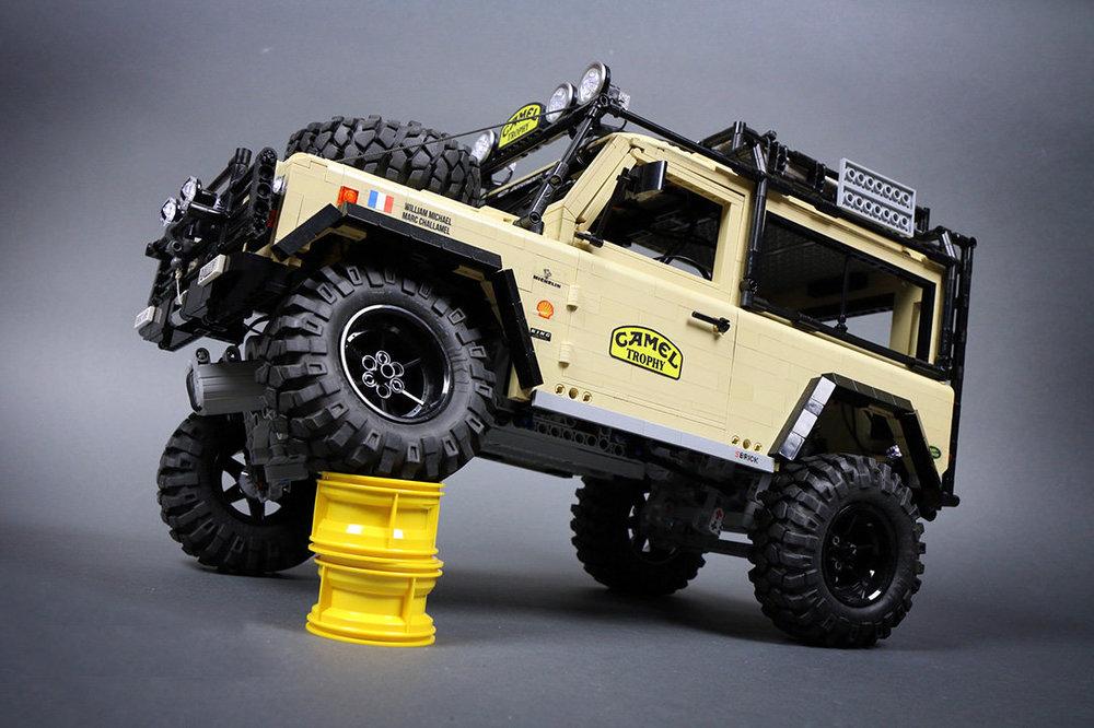 Lego-RC-Land-Rover-Defender-90-6.jpg