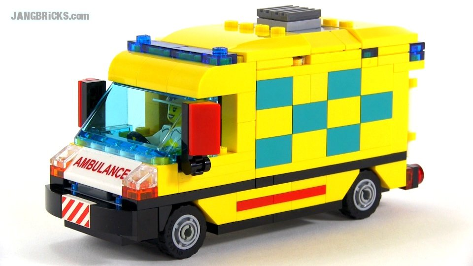 141023d-lego-ambulance-moc.jpg.3ff5b6de2e4fc7c992c58d87557b4522.jpg
