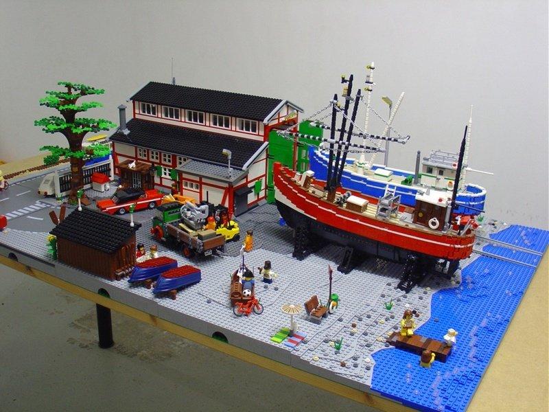 1866418028_smallboat-wharfinElsinore2.jpg.ceed431d23afc77522219d4730a7966b.jpg