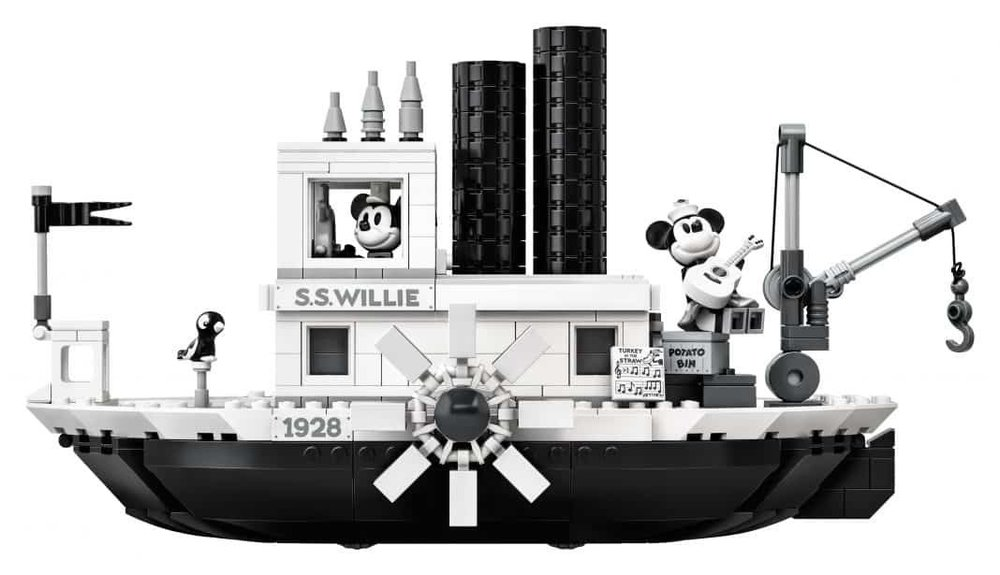 lego-steamboat-willie-2.thumb.jpg.c3ceb6ddb44989e68c19f236095c564a.jpg