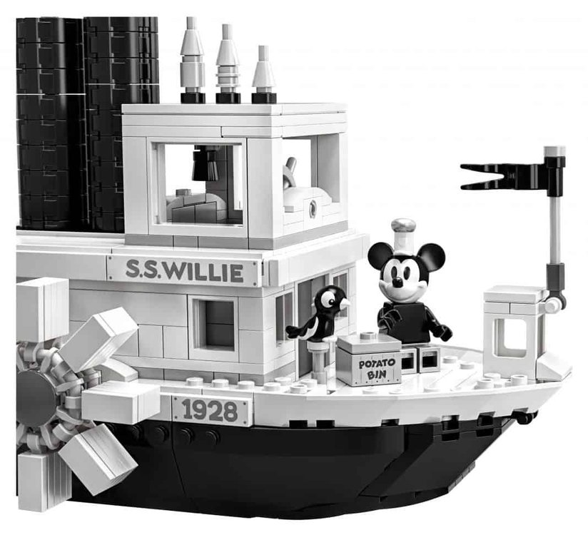 lego-steamboat-willie-5.thumb.jpg.c427ab3f6cb846c1d539b5a99592a6df.jpg