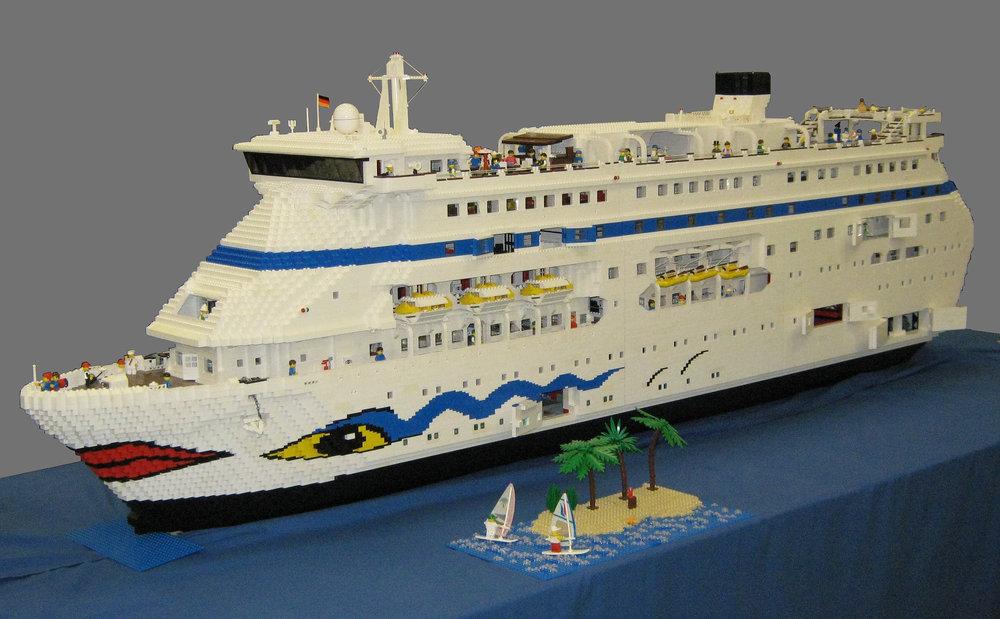 LEGO-Aida.thumb.jpg.453f74c3dc66a8e6e5d7dae2f4d0270e.jpg