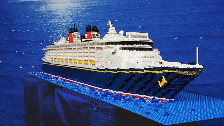 lego_ships.jpg