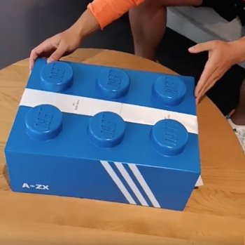 Adidas-LEGO-Collaboration-Sneaker-1.jpg.90a1eaae6d23ea3227c21f98f5845b37.jpg